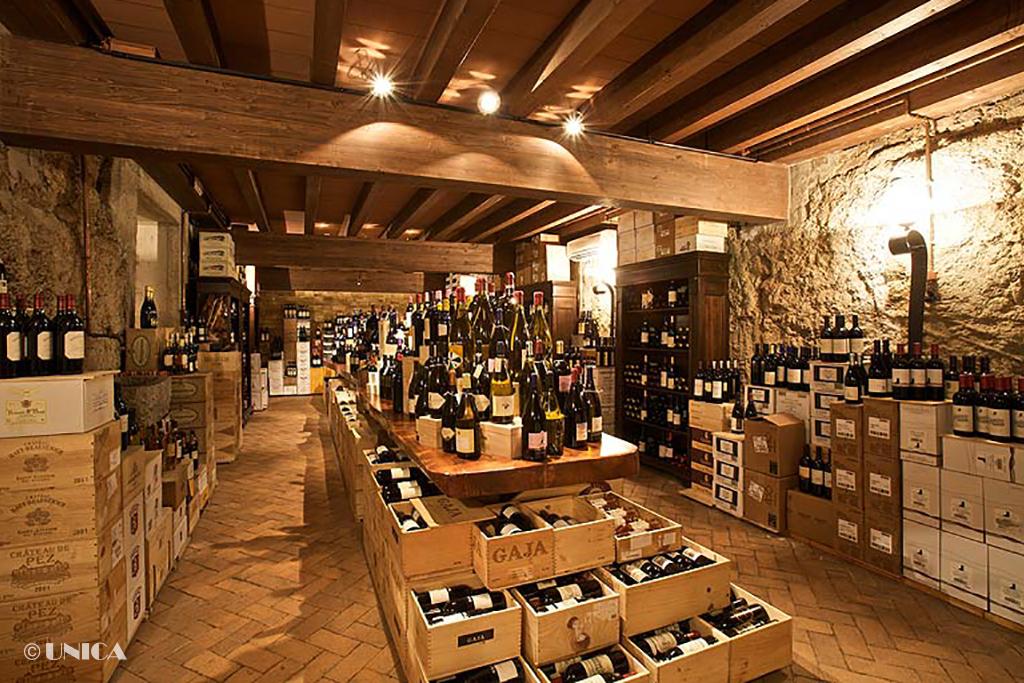 Arredamenti per ristoranti e bar unica arredamenti for Arredamenti bar ristoranti